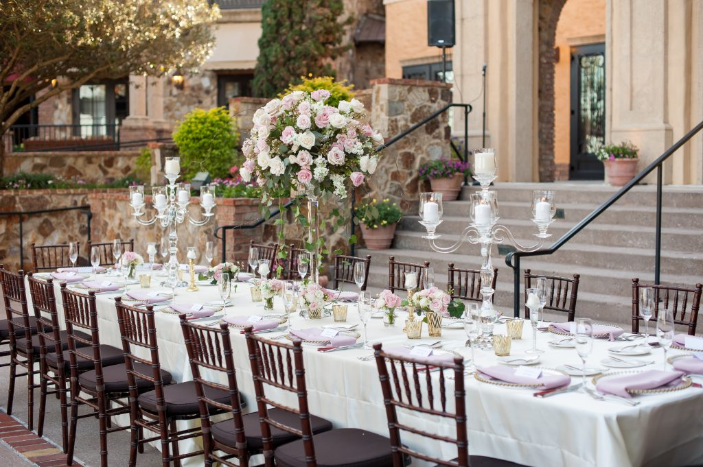 Table reception | Classic Pink and White Wedding Bella Collina Kathy Thomas Photography Anna Christine Events